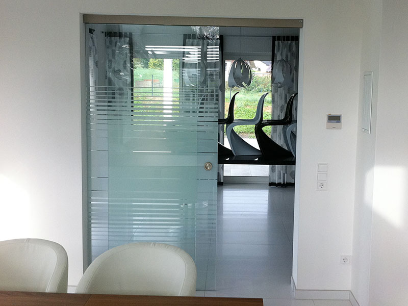 Glastüren- und Fenster 11