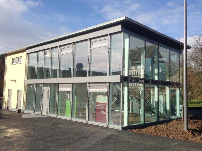 Glastüren- und Fenster 13