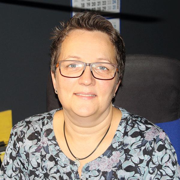 Katja Krüger, Geschäftsleitung